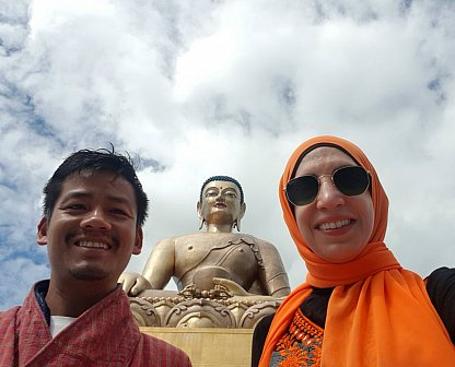 Guide Tek and Salma at Buddha point