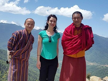 Katarina with guide Dawa and Monk at Tharpaling monastery