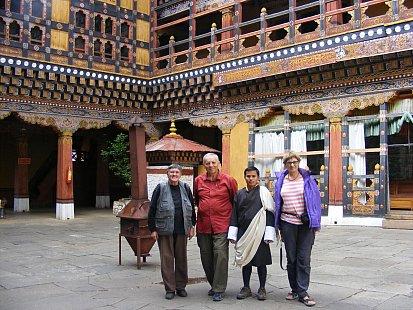 Ewa, Ewa, Paul and guide Mandhoj
