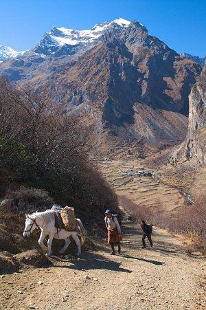 Descent to Chobiso village