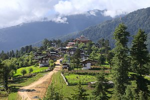 Gangtey village and gompa