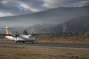 Flight to Jakar