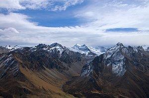 Mountain views above Jangothang