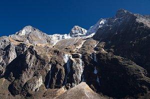Mountain views near Nulithang