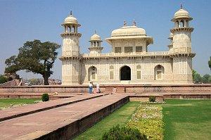 Itmad-ud-Daula, Agra