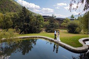 Zhiwa Ling Heritage compound