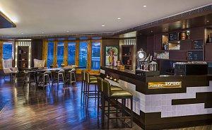 Le Meridien Riverfront, restaurant