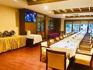 City Hotel, dining
