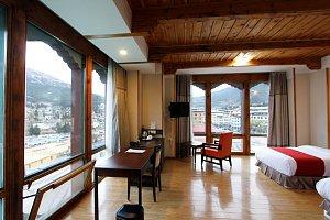 Hotel Thimphu Towers corner room
