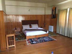 Hotel Pema Karpo, room