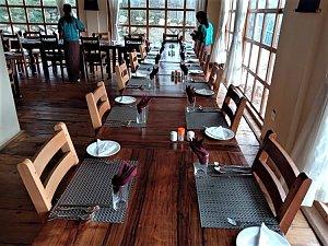 Dhangsa Resort, dining