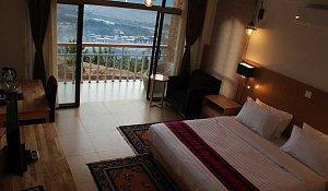 Zhingkham Resort, room