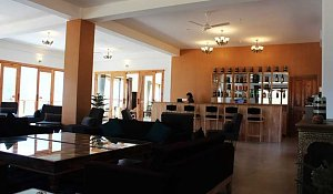 Zhingkham Resort, restaurant