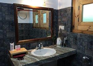 Chummey Nature Resort, bathroom