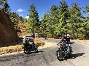 Ride below the Dochu-la pass