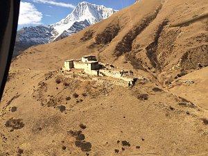 Lingshi dzong from chopper