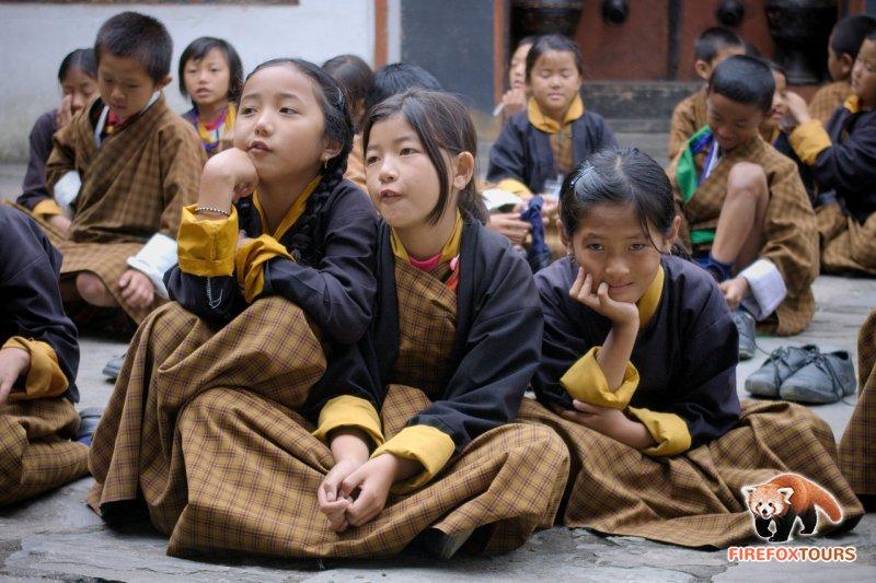 Schoolgirls in Changankha Lhakhang