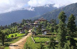 Gangtey village and gompa