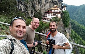 Guide Vim, Balazs and Zalan before Tiger's Nest