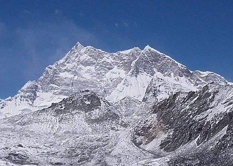 Gangkhar Puensum, 7570m