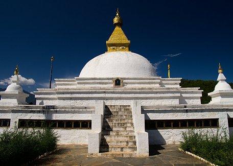 Stupa at Sangchen Dorji Lhendhup nunnery